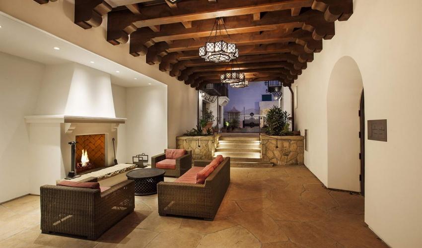 18 West Victoria Street #204,Santa Barbara,Santa Barbara,93101,1 Bedroom Bedrooms,1.5 BathroomsBathrooms,Condominium,Alma Del Pueblo ,West Victoria Street #204,1057